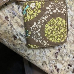 Vera Bradley Bags - 👒Vera Bradley Bi-Fold Wallet Used-Like NEW👜